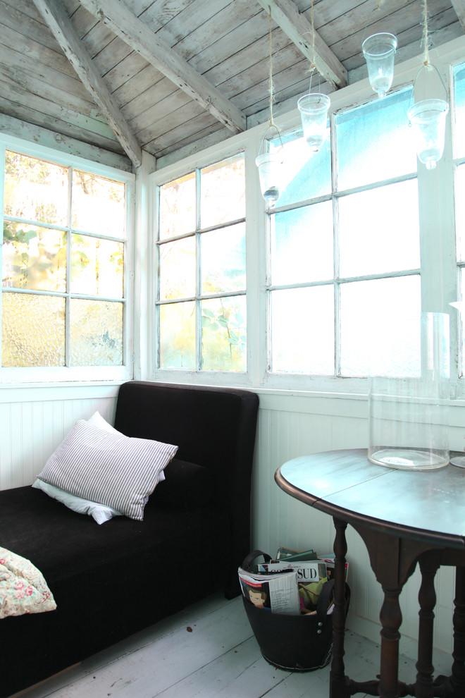 impromptu-solarium-eclectic-apartment-vintage-switch