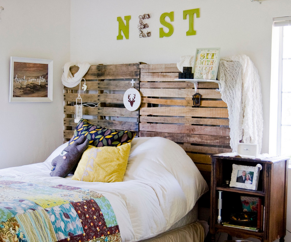 modern-bedroom-diy-headboard-euro-pallet