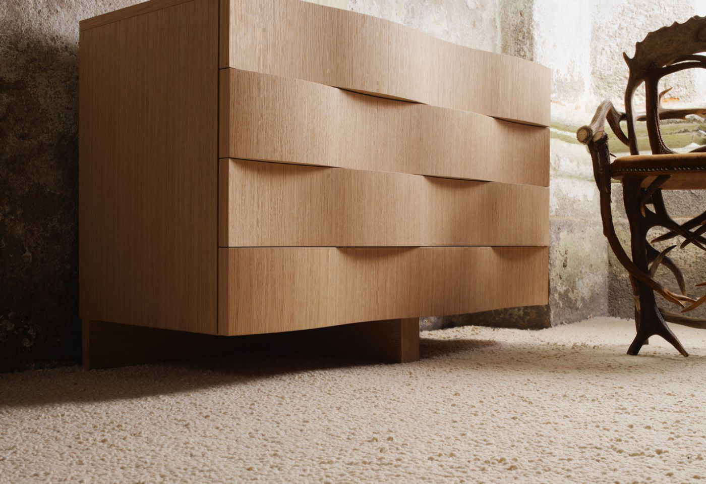 modern-dresser-with-wave-shaped-drawers-in-oak-chests-of-drawers