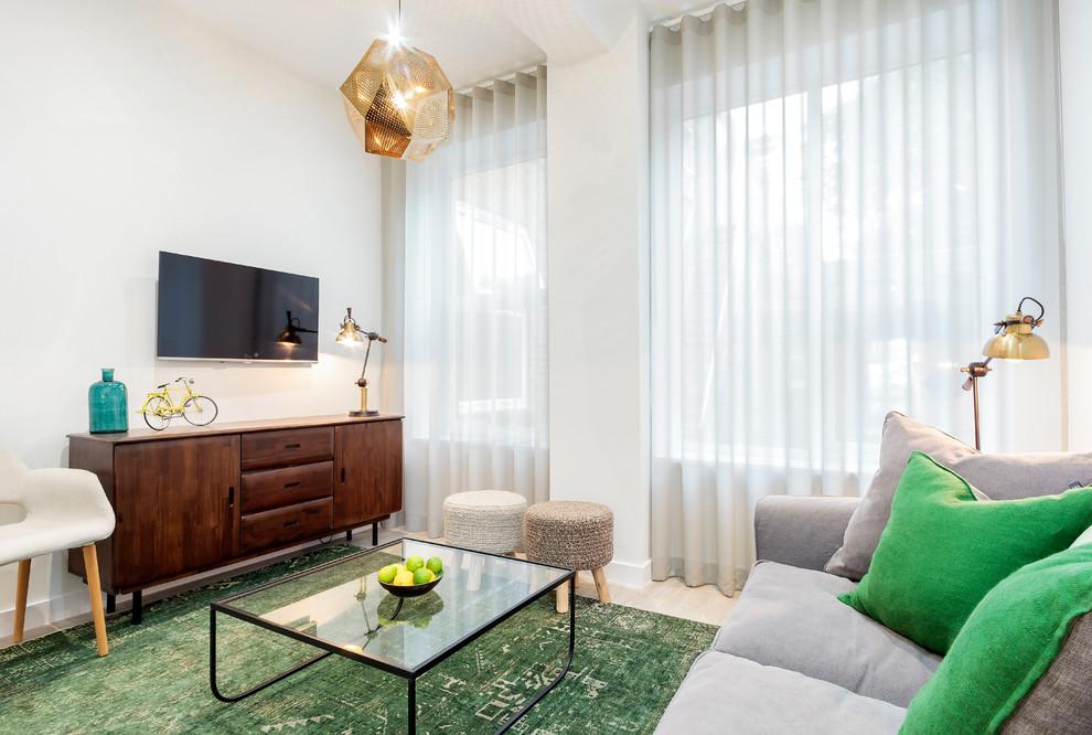 modern-gray-sofa-green-decorative-pillows-wooden-items-living-room-setup-ideas