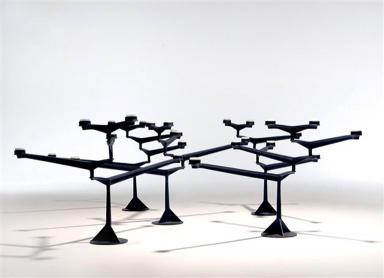 moderner-abstrakter-tisch-kerzenstander-kerzenhalter-im-wohndesign