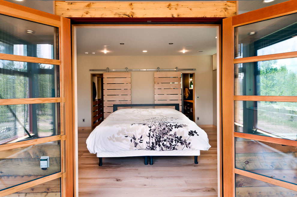 pallets-sliding-doors-diy-headboard-euro-pallet