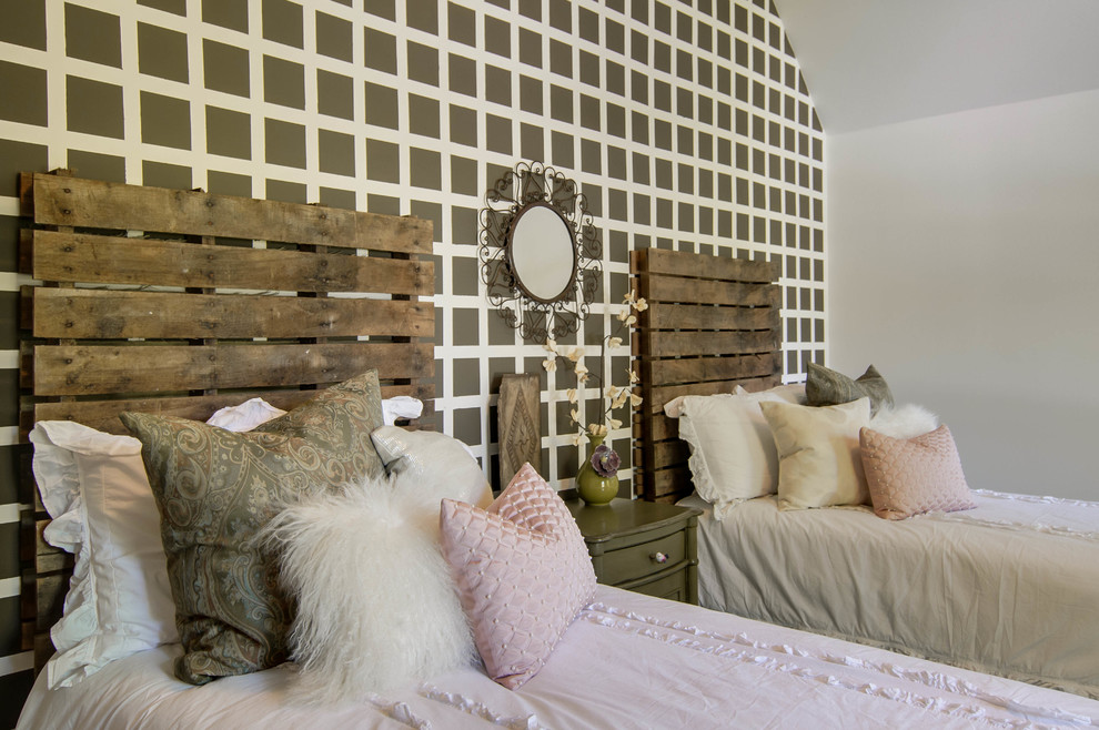 simply-scandinavian-style-and-modern-diy-headboard-euro-pallet