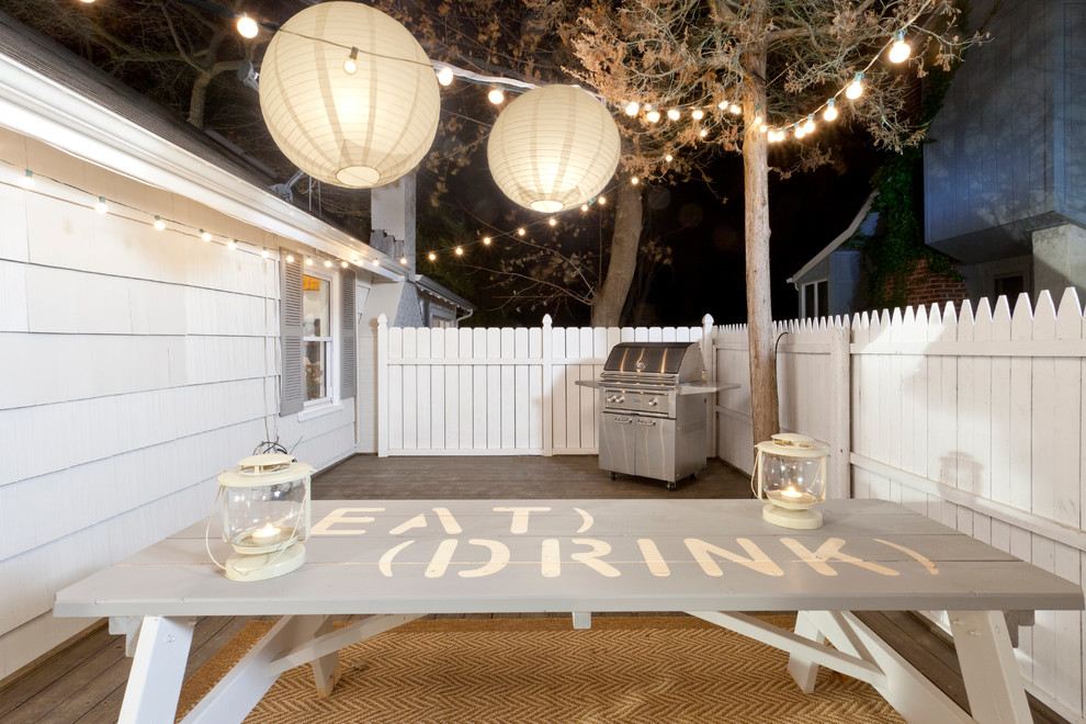 table-decorations-in-the-garden-design-of-the-porch