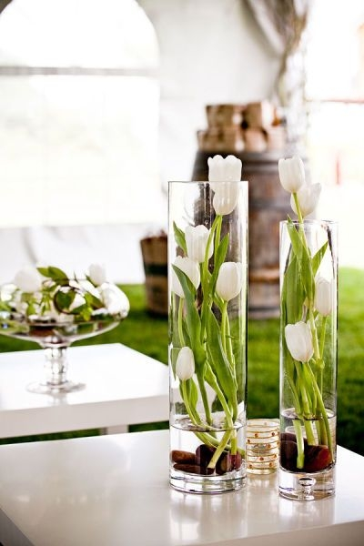 tulips-in-glass-vases-vases-diy-ideas
