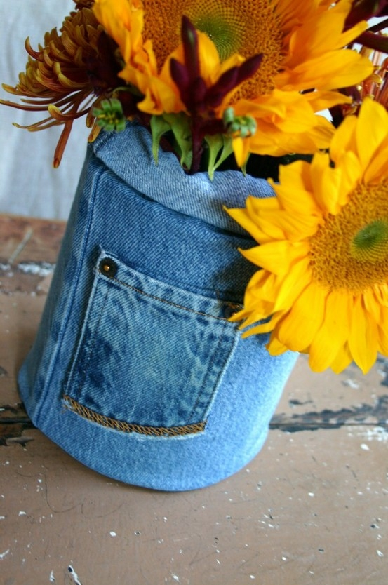 vase-out-of-old-jeans-modern-vases-diy-ideas