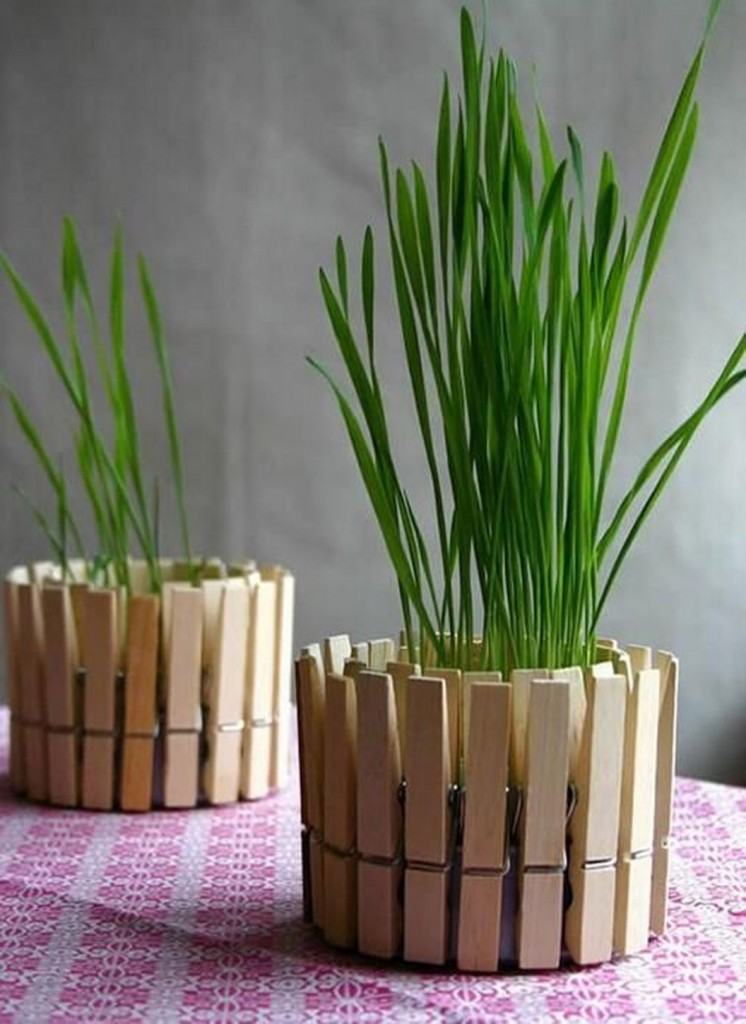 vases-made-of-clothespins-modern-vases-diy-ideas