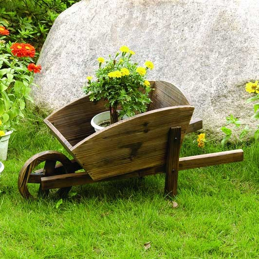wooden-cars-for-your-garden-garden-ornaments