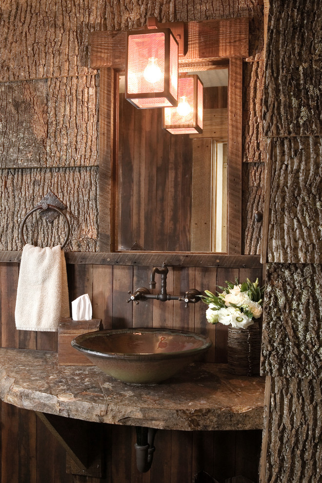 wooden-walls-wood-frame-lantern-lodge-mountain-lodge-rustic-design-bathroom