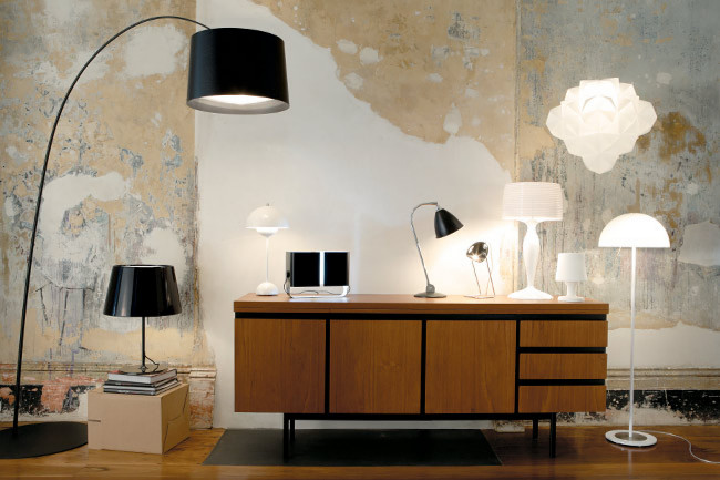 working-table-made-of-wood-and-contemporary-lighting-design-with-industrial-furniture