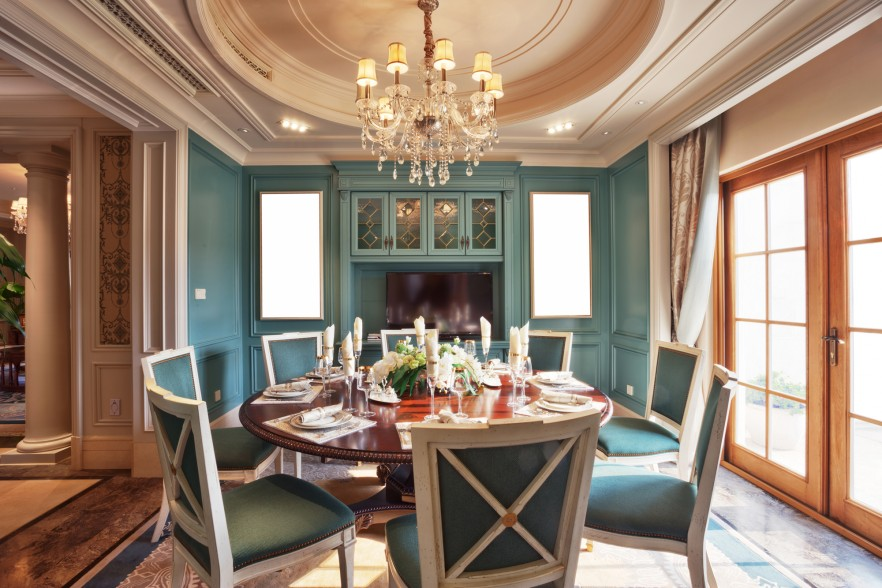 f-murals-in-the-dining-room green