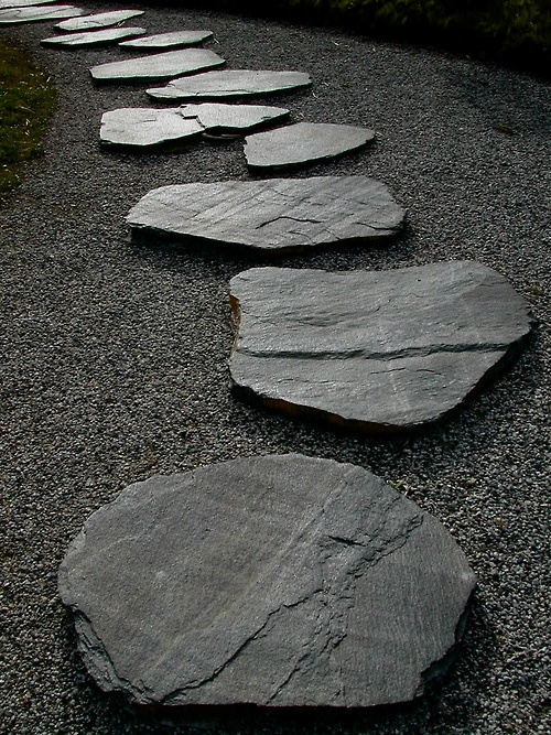 Large Flagstone walkway landscape in the minimalist style