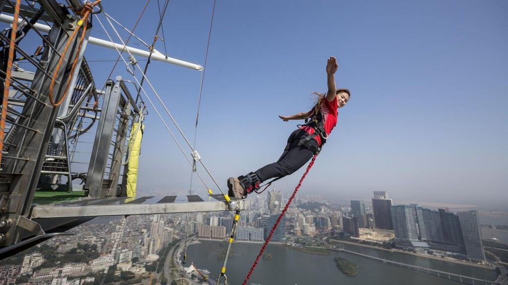 Bungy Tower Macau Skyjumping, Skydiving, Skywalk, Tower Climb
