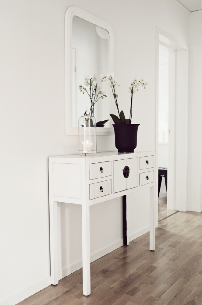 Console in white with small drawers chic modern laminate flooring floors furniture