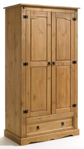 Cottage style solid wood interior design in vintage and Shabby Chic wardrobe
