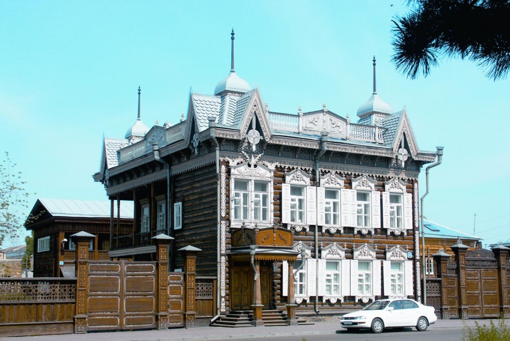 House of Europe - one of the most beautiful wooden houses in Irkutsk Lacy house