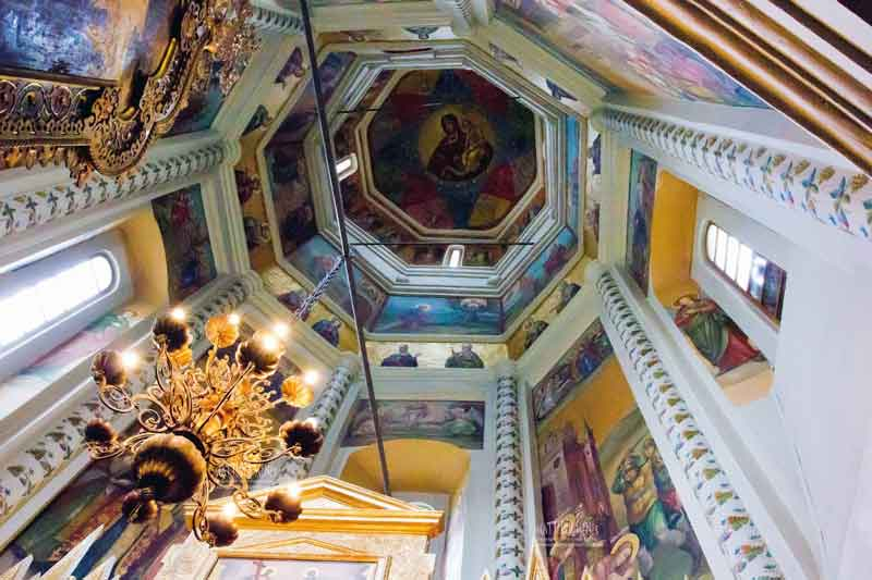 Inside-St-Basil-Cathedral-Interior
