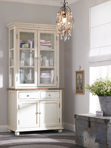 Kitchen cabinet vintage interior design in vintage and Shabby Chic