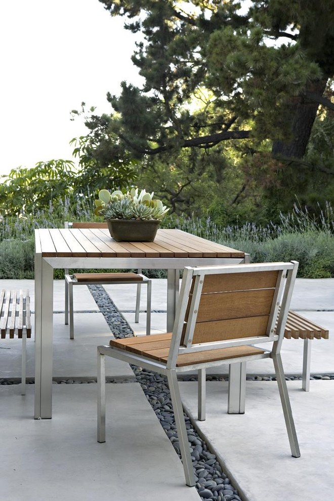 Modern design of wooden and metal garden furniture metal