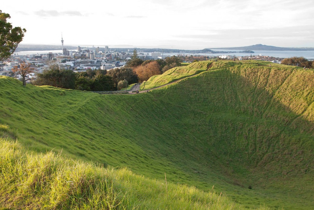 Mount Eden Auckland highest volcano spectacular views central city harbours green grass