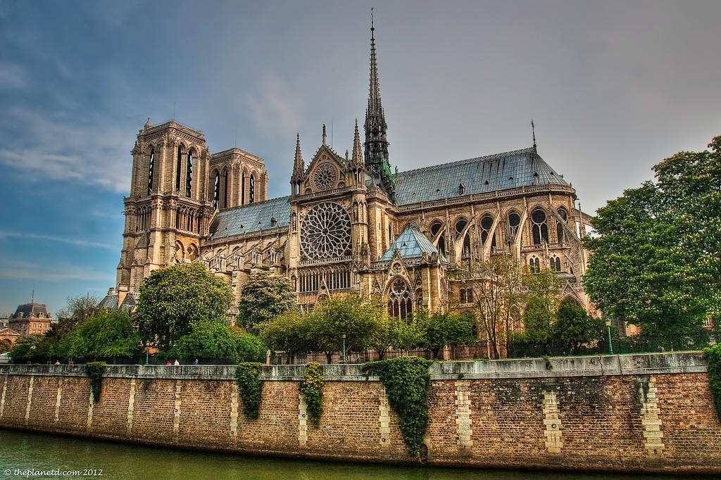 Notre-Dame-Cathedral-Paris Outdoor View river