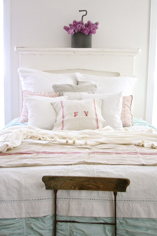 Shabby chic interior design in vintage and Shabby chic bedroom