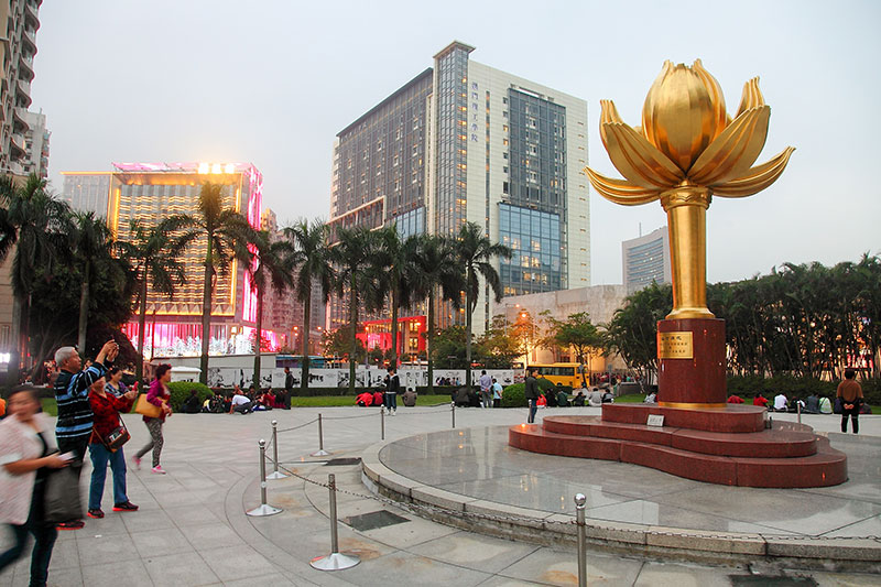 Square-of-the-Golden-Lotus-Macau-Chine-Tourist-destination