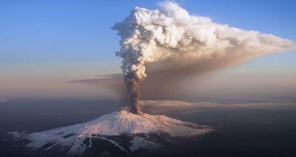 etnа volcano eruption italy