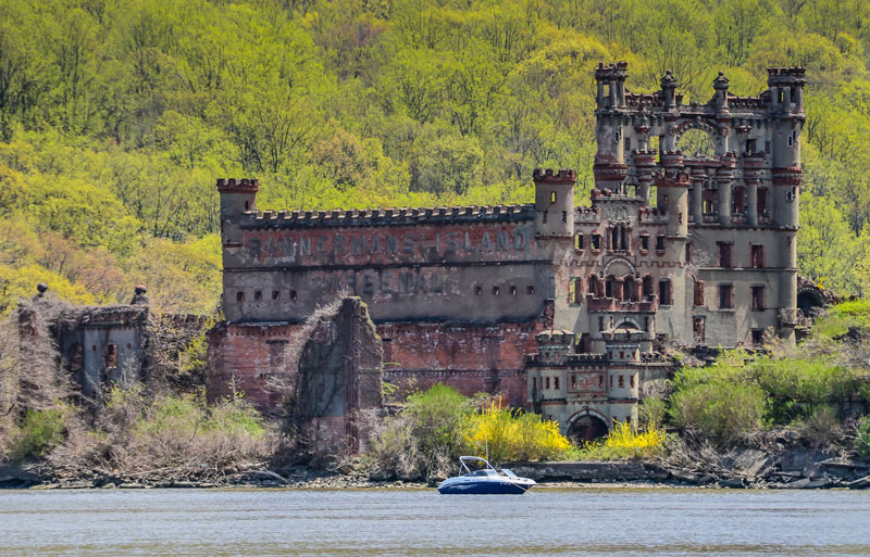Castle-on-the-Hudson,-New-York-former-mill-town-build