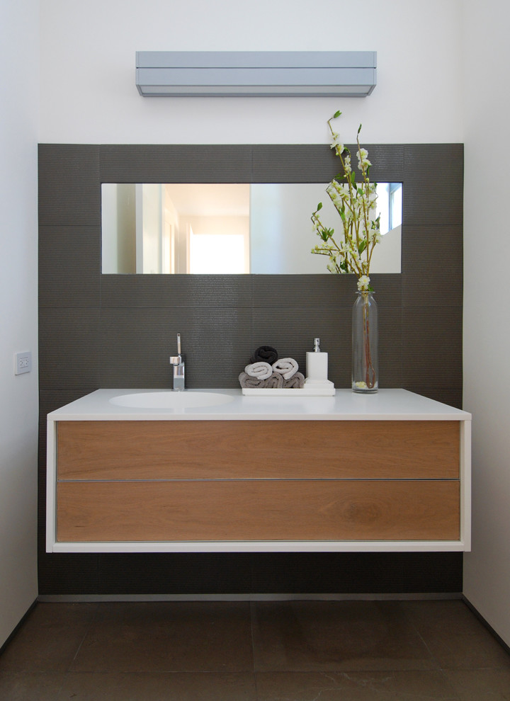 Mirror washbasin wood modern-bathroom