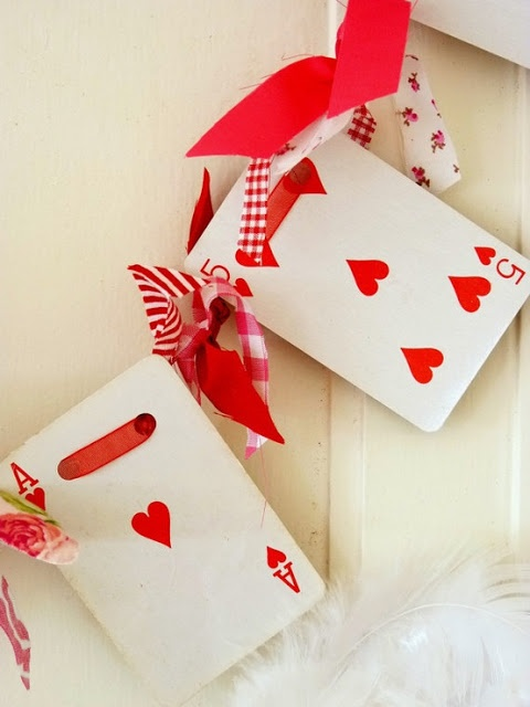 Playing cards heart Deco ideas for Valentine's Day