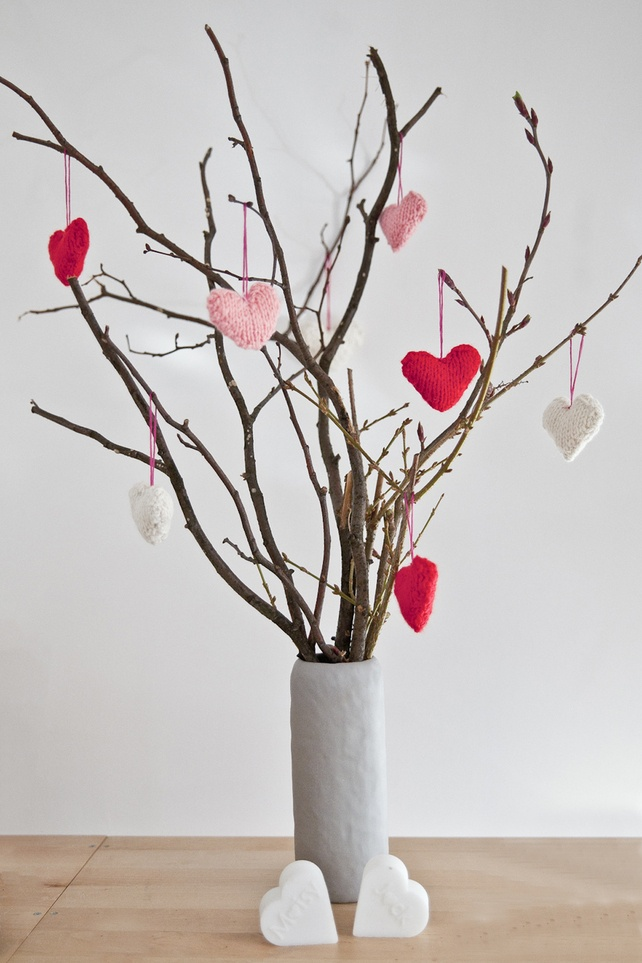 Vase with twigs branches fabric hearts-deco ideas for Valentine's Day