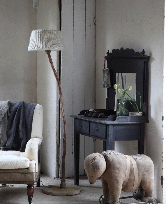 Wood vanity knitted lamp shade