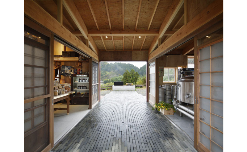 Kamikatz-Public-House-zero-waste-building-from-recycled-garbage-facade-Japan-town-Kamikatsu-hall