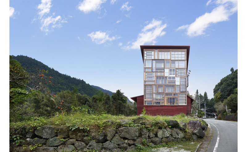 Kamikatz-Public-House-zero-waste-building-from-recycled-garbage-facade-Japan-town-Kamikatsu