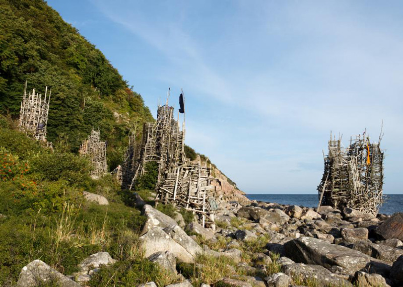 Ladonia-micronation-small-country-island-wooden-buildings-towers