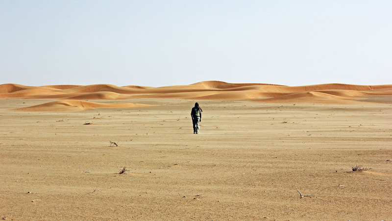 Rub'-al-Khali,-Arabian-peninsula-james-borrell-explores-the-empty-quarter-desert-high-temperature-heat