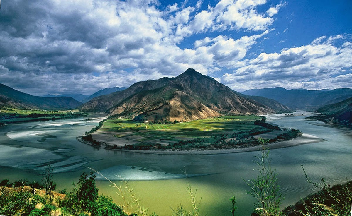 The Yangtze is the longest river in Asia, but also in China and is the third largest river in the world