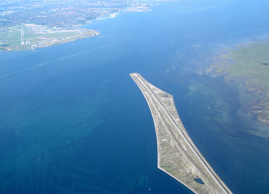 Peberholm-artificial-island-bridge-view-from-air-Öresund-bridge