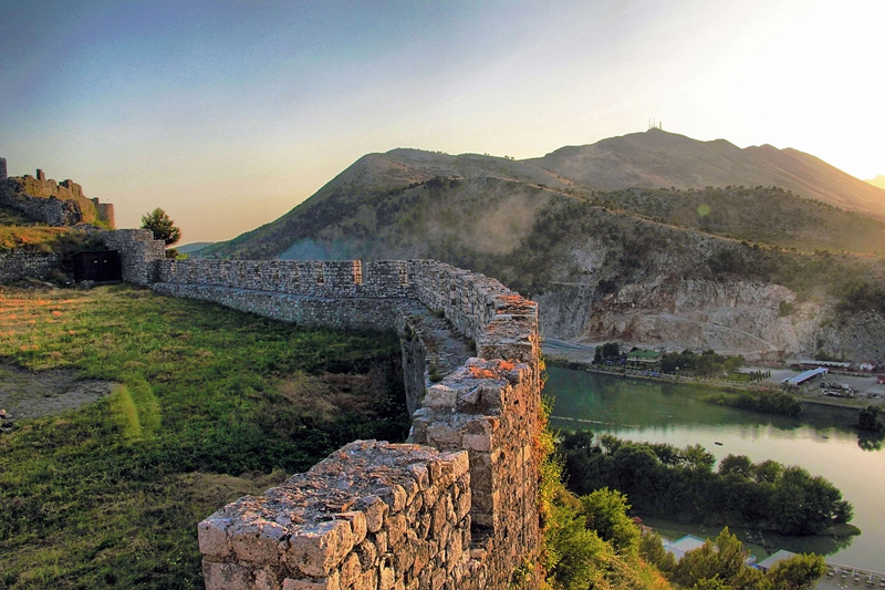 Rozafa-Castle-Albania-tourist-destination-summer-vacation-great-landscape-beautiful-nature-of-albania
