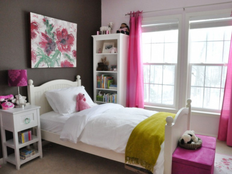 1-wall in grey and colorful accents-Youth bedroom Girls