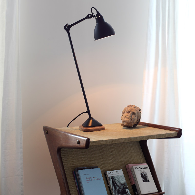 Exclusive table lamp with Holzsokel black sleek stylish-modern lamps