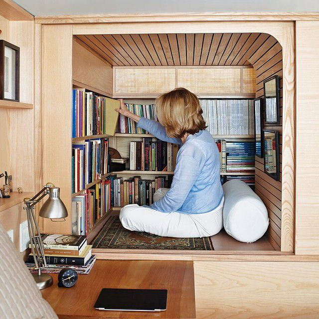 tiny book nook for small apartaments reading corner ideas