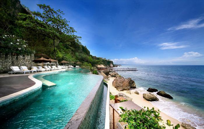 Bali,-Indonesia-Ocean-Beach-Pool-beach-vacation-spots-best-tropical-vacation-spots--tropical-holiday-destinations