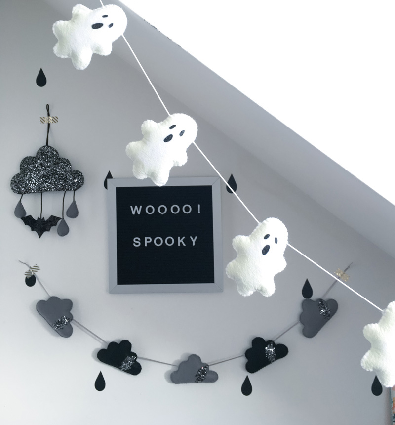 Ghost-Halloween-Garlands-Halloween-lights-outside-halloween-decorations-diy-halloween-decorations-best-halloween-decorations--halloween-yard-decorations-vintage-halloween-decorations