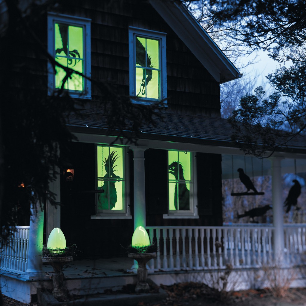 Halloween-Garden-Lights-Windows-Halloween-lights-outside-halloween-decorations-diy-halloween-decorations-best-halloween-decorations--halloween-yard-decorations-vintage-halloween-decorations
