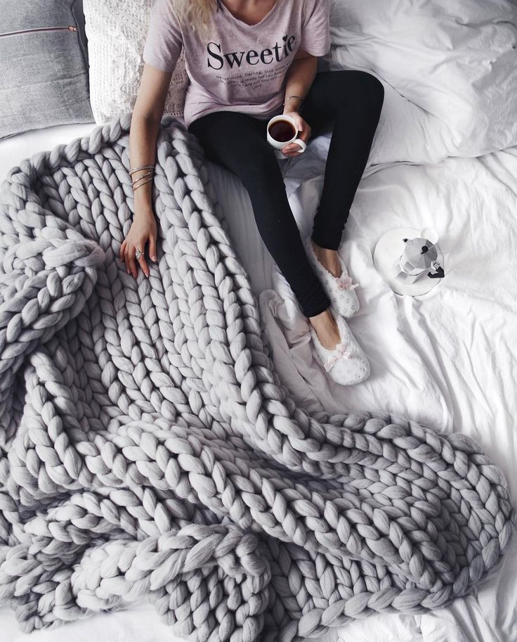 Knitted Blankets Oversized Knited Grey Blanket Woman with Coffee Warm Feeling Autumn Season Interior Design Ideas