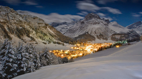 Lech,-Austria-Night-View-Night-Lights-ski-holidays-skiing-resorts-ski-vacations-last-minute-ski-deals-ski-package-deals-all-inclusive-ski-holidays-best-family-ski-resorts