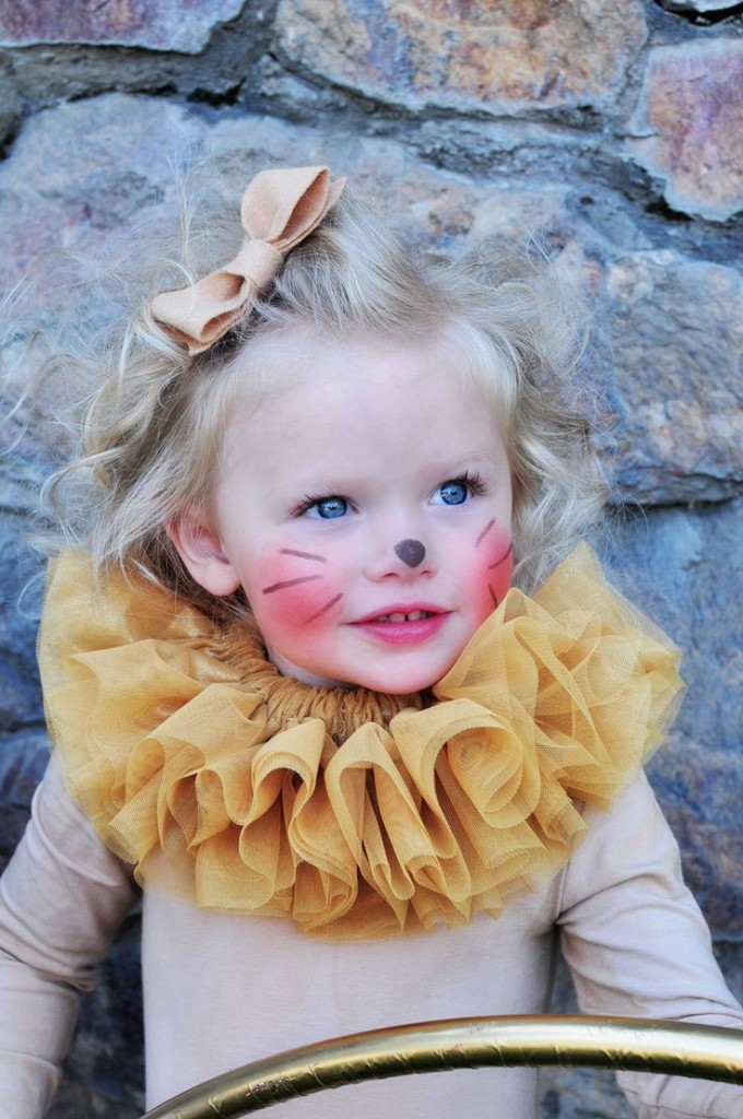 Lion-Baby-Girl-Halloween-Blonde-Baby--Costume-Halloween-costume-ideas--Costume-ideas-Baby-Halloween-costumes-Halloween-ideas-Superhero-costumes