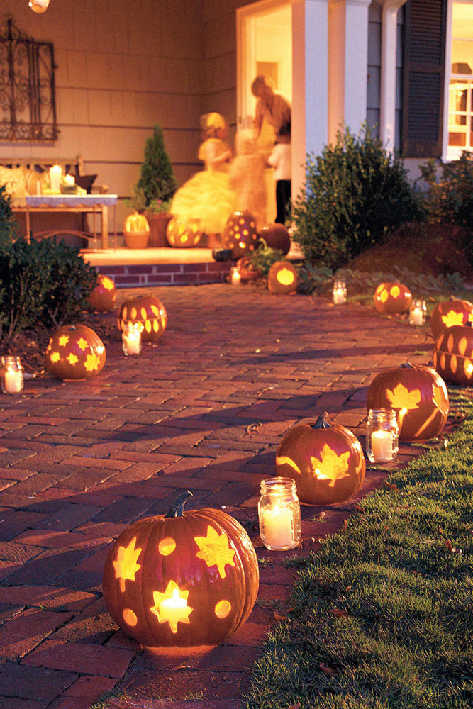 Pumpkin-Garden-Lights-Halloween-lights-outside-halloween-decorations-diy-halloween-decorations-best-halloween-decorations--halloween-yard-decorations-vintage-halloween-decorations